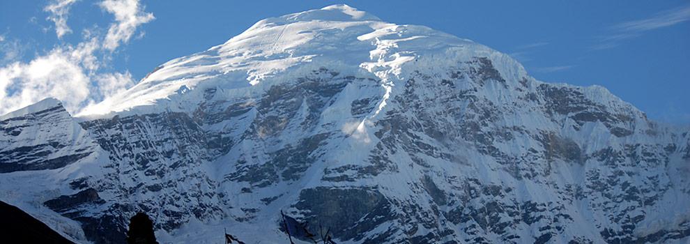 Trek among the Himalayas